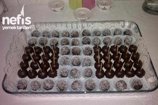 Elmalı Bisküvili Çikolata Kaplı Toplar Tarifi