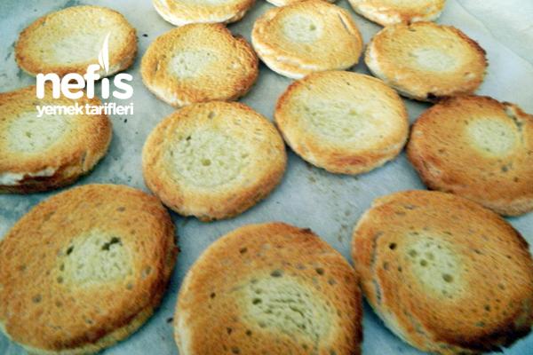 Kızarmış Tost Ekmeği İle Karışık Kızartma 2