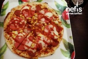 Tavada Lavaştan Pratik Pizza Tarifi