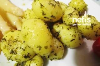 Tavada Zeytinyağlı Baharatlı Patates Tarifi