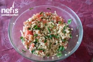 Çok Kolay Lezzetli Bulgur Salatası Tarifi