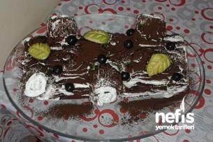 Ispanaklı Rulo Kütük Pasta (Yılbaşı Pastası) Tarifi