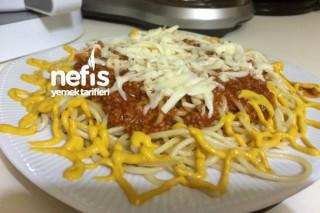 Bolonez Soslu Kıymalı Spagetti Tarifi