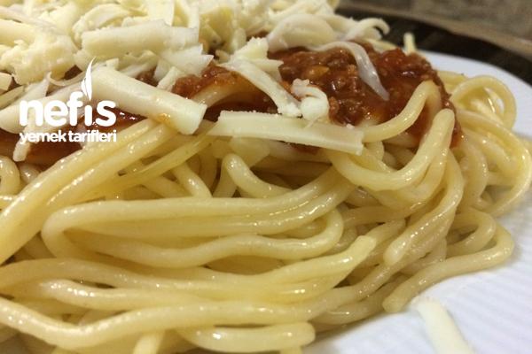Bolonez Soslu Kıymalı Spagetti 3