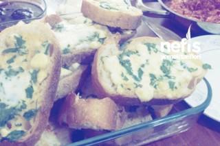 Leziz Kahvaltılık Ekmekler Tarifi