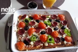 Çocuklar İçin Ekmek Pizzası Tarifi