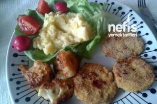 Tavuk Köftesi (Karnabahar Kızartması ve Patates Püresi Eşliğinde) Tarifi