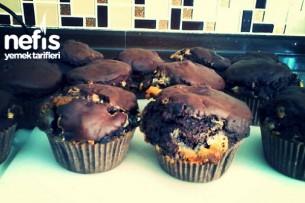 Bitter Ve Beyaz Çikolatalı Büyük Muffin Tarifi