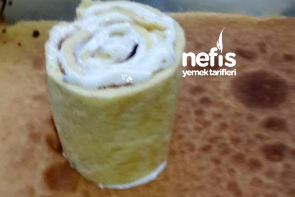 Kalpli Çilekli Dikey Rulo Pasta 1