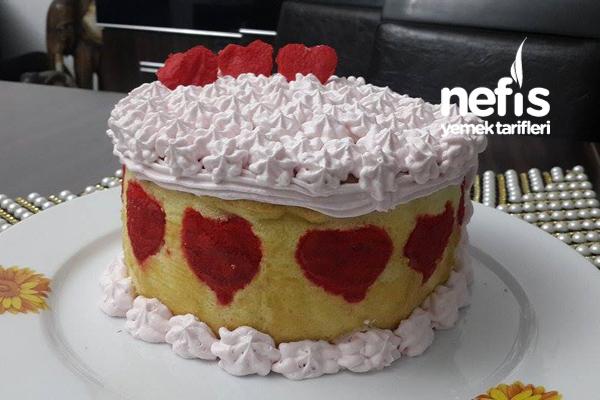 Kalpli Çilekli Dikey Rulo Pasta 5