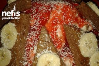 Meyve Soslu Pasta Tarifi