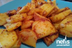 Kahvaltı İçin Haşlanmış Salçalı Patates Tarifi