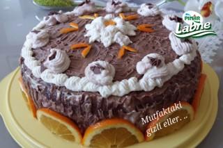 Labneli Çikolatalı Yaş Pasta Tarifi