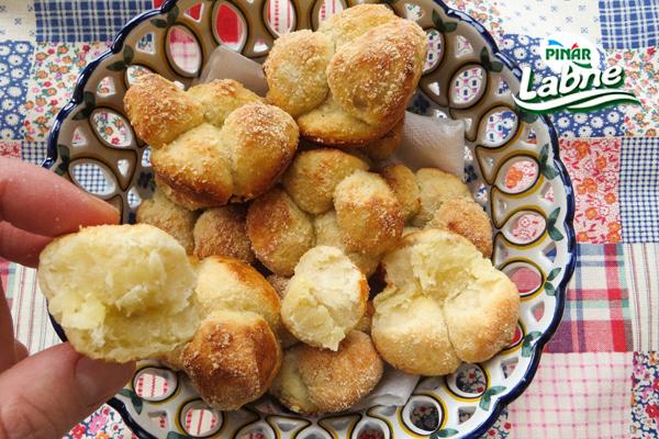 Peynirli Cupcake Poğaça Tarifi
