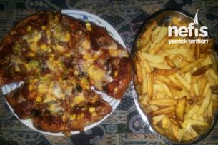 Pide Ekmeği ile Pizza Tarifi