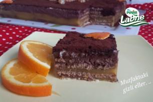 Portakal Pelteli Bisküvi Pastası Tarifi