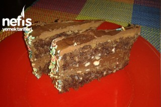 Bol Çikolatalı Pasta (Nutella Ve Fındıklı) Tarifi