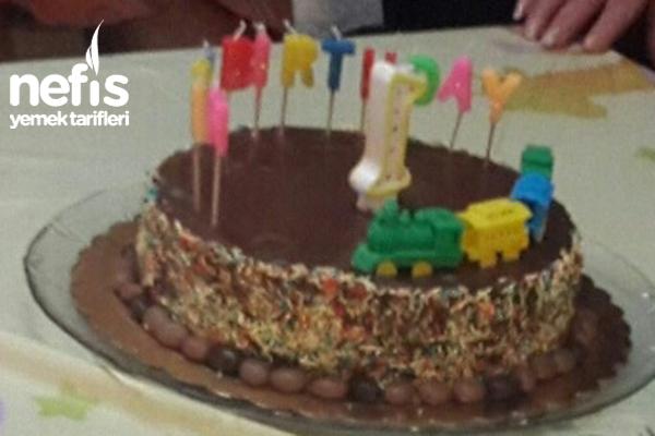 Bol Çikolatalı Pasta (Nutella Ve Fındıklı)