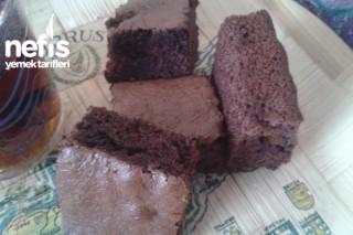 Toz Çikolata Soslu Kek Tarifi