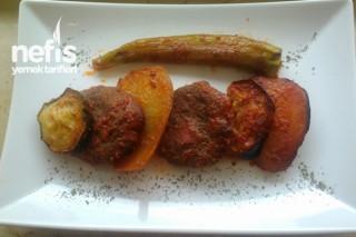 Fırında Köfte Patates Patlıcan Kebab Soslu Tarifi