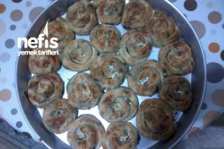 Ispanaklı Harika Gül Böreği  Tarifi