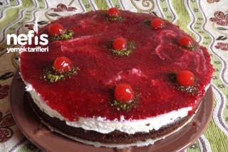 Ahududu Reçelli-Muzlu Yaş Pasta Tarifi