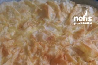 Yufkadan El Açması Tadında Patatesli Tepsi Böreği Tarifi