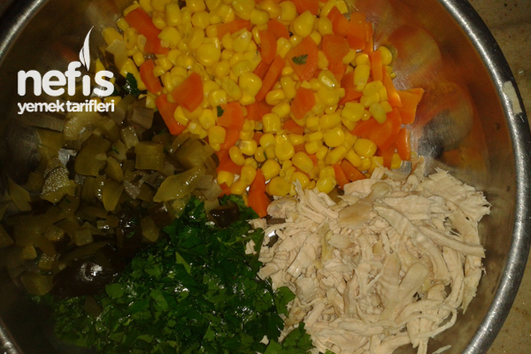 tavuklu-kuskus-salatasi-yapimi-foto-2