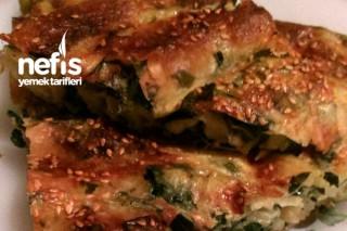 Çarşaf Böreği (Patates Ve Ispanaklı) Tarifi