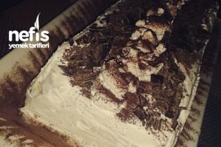 Pastacı Kremalı Cevizli Çikolatalı Pasta Tarifi
