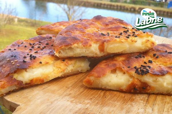 Borek Tadında Patatesten Dilim Ekmekler