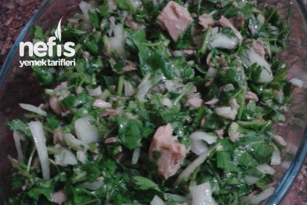 Ton Balıklı Salata Yapımı Tarifi
