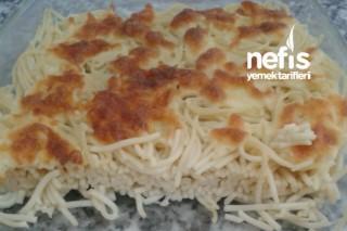 Fırında Kaşarlı Spagetti Makarna