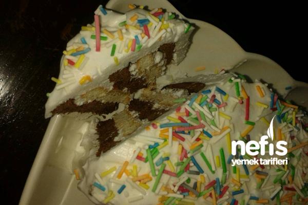 Basit Krem Şantili Pasta 2