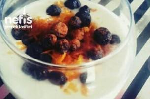 Vanilyalı Meyveli Yoğurt Tarifi