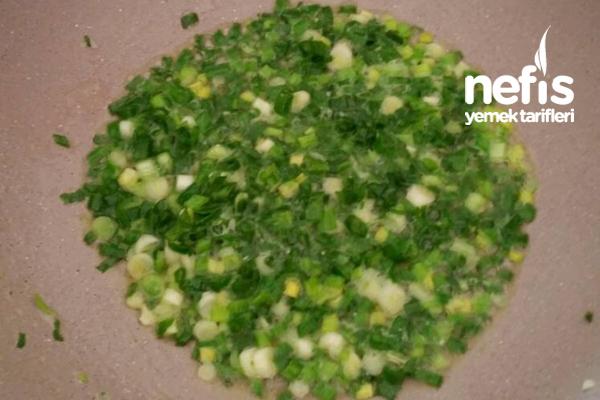 Yeşil Soğanlı Yumurta
