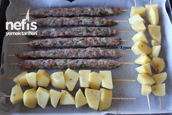 Fırında Çöp Şiş Köfte Ve Patates 1