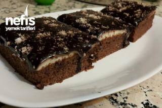 Kremalı Ve Çikolata Soslu Islak Kek Tarifi