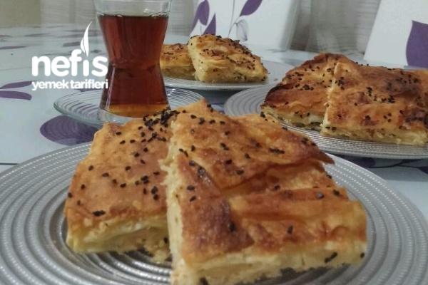 Tepsi Böreği ( Peynirli ) Tarifi