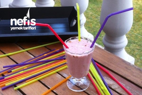 Nefis Kahveli Milkshake ( Diyet Ara Öğün) Tarifi