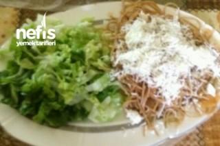 Diyet Makarna Ve Marul Salatası Tarifi