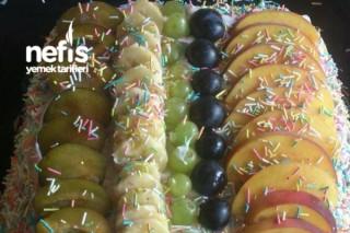 Meyveli Yaş Pasta Tarifi