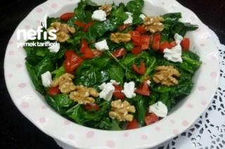 Bol Vitaminli Ispanaklı Salata Tarifi
