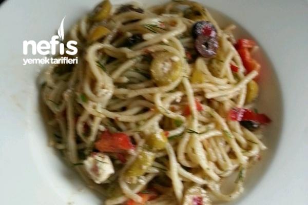 Spagetti Salatasi