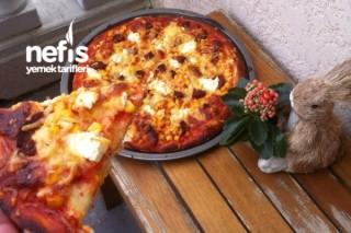 Karışık Pizza (mantarli-soganli, 4 Peynirli, Sucuklu-mısırlı )