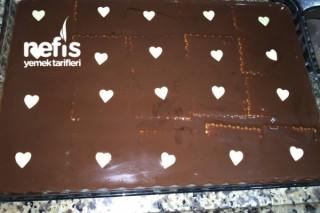 Çikolatalı Bisküvili Pasta Yapımı Tarifi