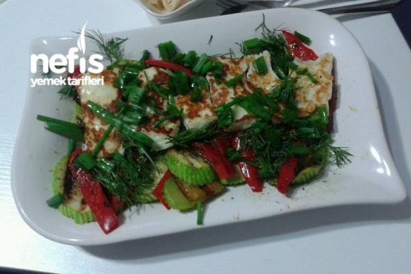 Hellimli Izgara Kabak Salatası Tarifi