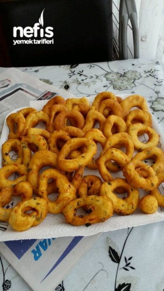 Peynirli -maydanozlu pişiler