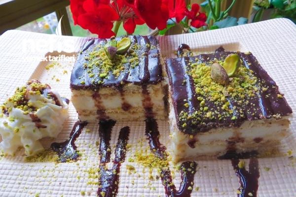 Çikolata Soslu Labneli Bisküvi Tatlısı Tarifi