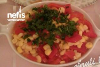 Mısırlı Közlenmiş Kırmızı Biber Salatası Tarifi